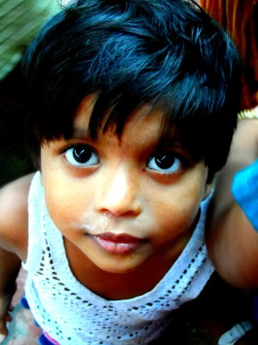 A gorgeous little girl in the slums of Mumbai