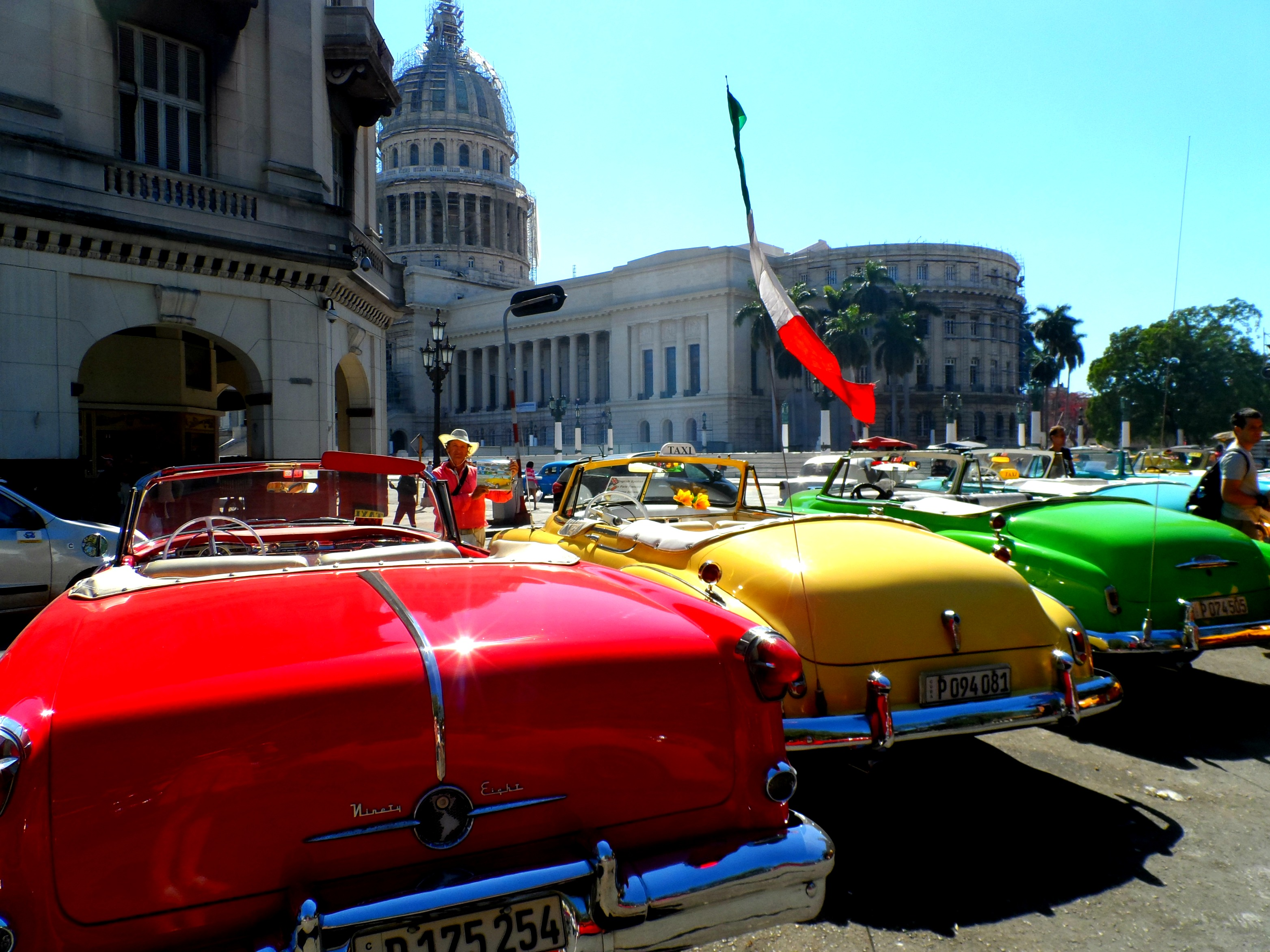 A Vintage Car Tour of Havana – Mama Ayla's Adventures