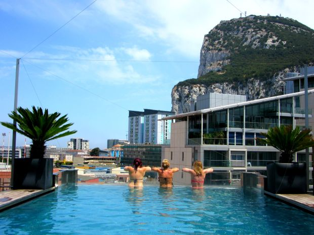 Rooftop pool Sunborn Gibraltar
